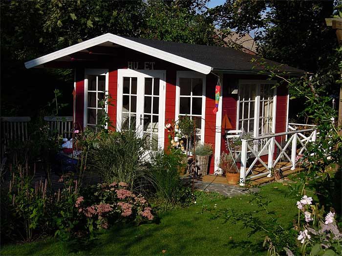 Abendstimmung am schwedischen Gartenhaus