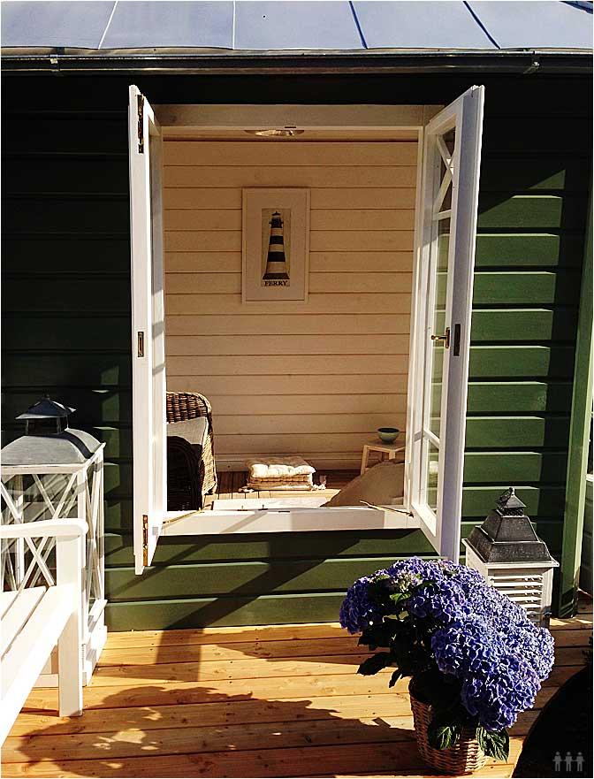 Kleines maritimes Gartenhaus