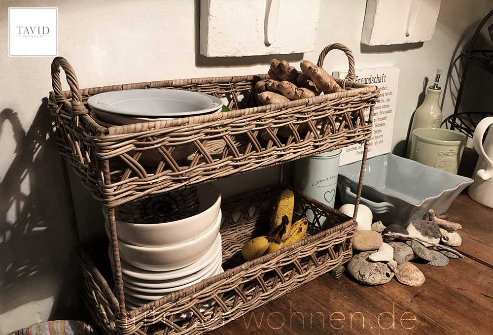 Rustic Rattan Küchenregal